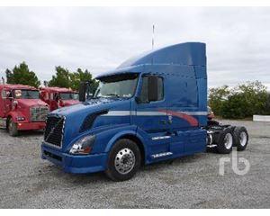 Volvo VNL64T630 Day Cab Truck