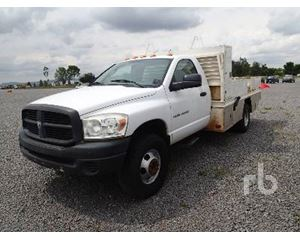 Dodge RAM400 Flatbed Truck