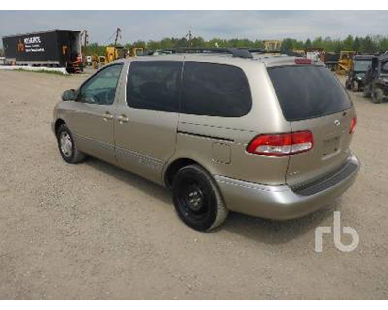 2001 toyota sienna minivan for sale frankfort springs pa. Black Bedroom Furniture Sets. Home Design Ideas