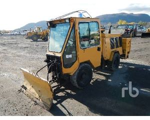 Trackless MT5T Snow Removal Equipment