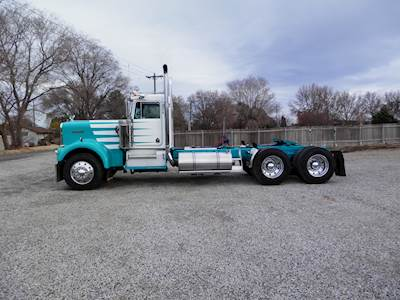1981 Kenworth W900A Extended Hood Day Cab Truck
