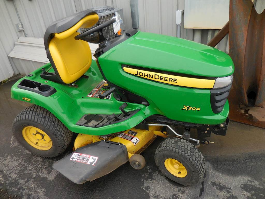 2014 John Deere X304 Riding Lawn Mower For Sale, 64 Hours | Central ...