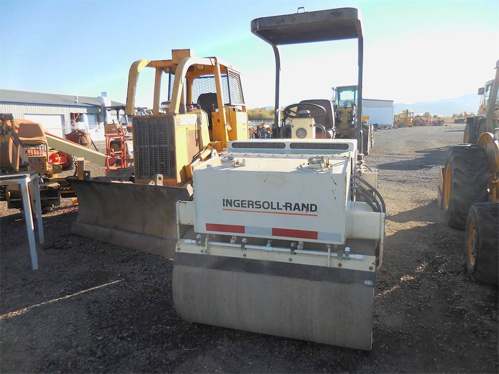 1999 Ingersoll-Rand DD32 Smooth Drum Roller Compactor