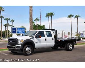 2016 Ford F-550 Crew Cab 4X4 Flat Bed / Platform Deck