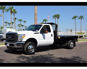 Ford F-350 4x4 Flatbed Truck