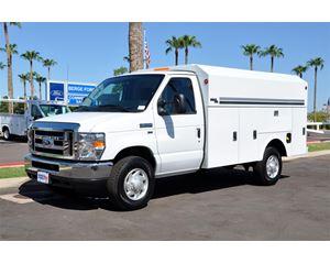 Ford E-350 Service / Utility Truck