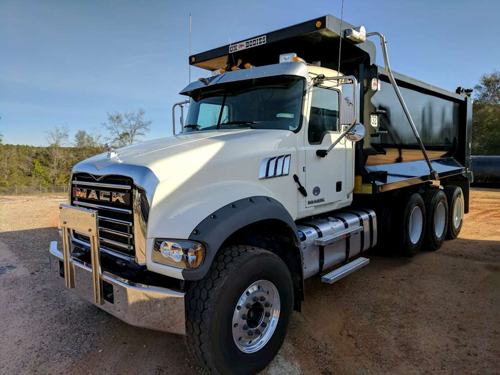 Used Toy Hauler For Sale San Antonio Texas >> Mack R Model For Sale | New Car Updates 2019 2020