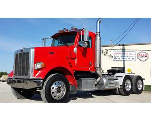 Peterbilt 379 Heavy Duty Cab & Chassis Truck