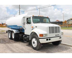 International 4900 Gasoline / Fuel Truck