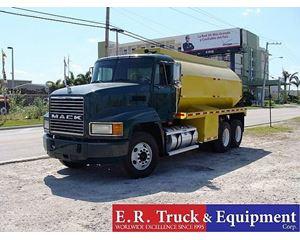 Mack CH600 Gasoline / Fuel Truck