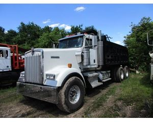 Kenworth W900 Heavy Duty Dump Truck