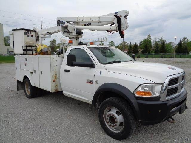 Dodge Ram 5500 >> 2011 Dodge Ram 5500 Single Axle Boom Bucket Truck Automatic Altec At37g Aerial Lift For Sale 7 940 Hours Fort Wayne In 63106532