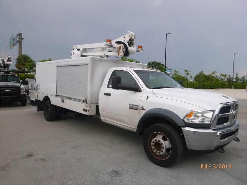 Dodge Ram 5500 >> 2014 Dodge Ram 5500 Single Axle Boom Bucket Truck Automatic Altec At248f Aerial Lift