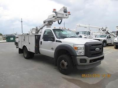 2010 Ford F-450 Single Axle Boom / Bucket Truck, Automatic with ALTEC AT235  Aerial Lift