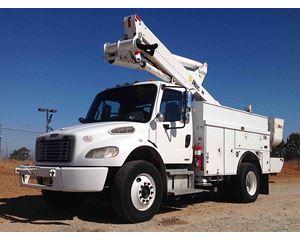 Freightliner M2 106 Bucket / Boom Truck