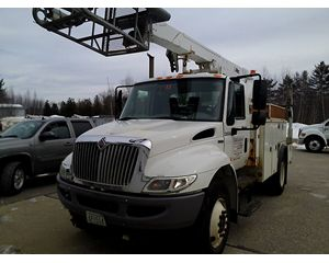 International 4300 Bucket / Boom Truck