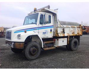 Freightliner FL70 4X4 Dump Truck