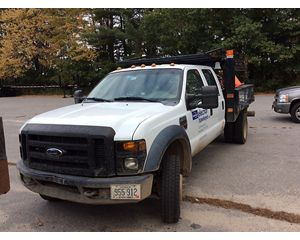 Ford F-450 4x4 crew Flatbed Truck
