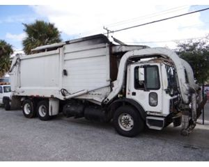 Mack MR688S Garbage Truck