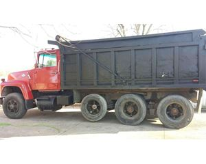Ford L8000 Heavy Duty Dump Truck