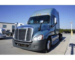 Freightliner CASCADIA 113 Sleeper Truck