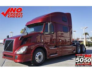 Volvo VNL64T780 Sleeper Truck