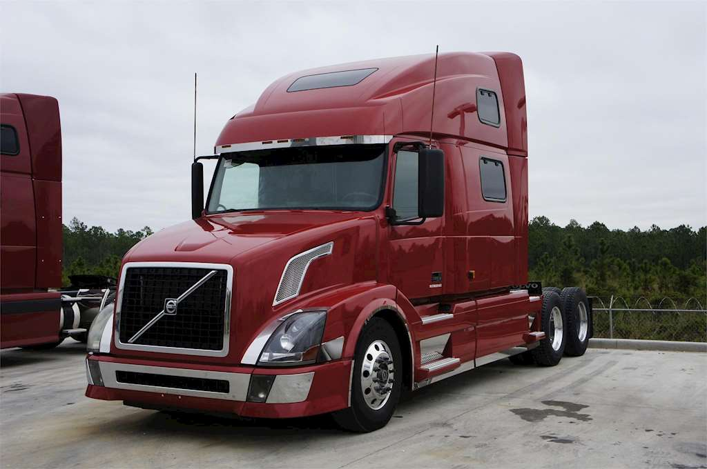 2008 Volvo VNL64T780 Sleeper Truck For Sale | Meza, AZ | MyLittleSalesman.com