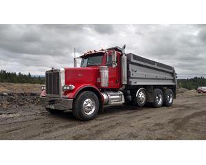 Peterbilt 378 Flatbed Truck