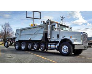 Freightliner FLD12084SD Heavy Duty Dump Truck
