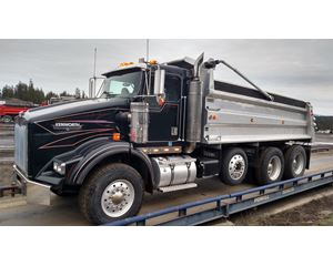 Kenworth T800 Heavy Duty Dump Truck