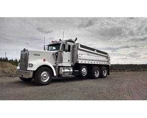 Kenworth W900L Heavy Duty Dump Truck