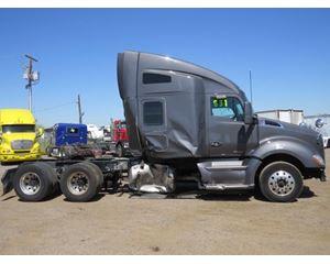 Kenworth T680 Sleeper Truck