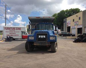 Mack DM Dump Truck