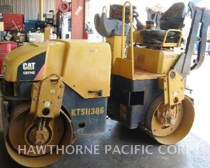 Caterpillar CB224E V Smooth Drum Compactor