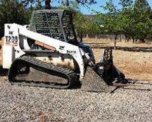 BOBCAT / INGERSOLL-RAND T200 Crawler Dozer