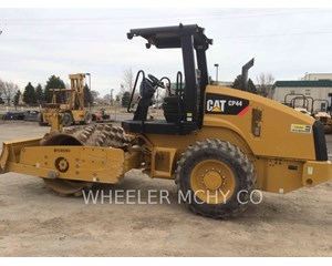 Caterpillar CP44 Combination Roller