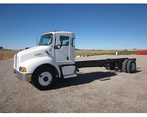 Kenworth T300 Heavy Duty Cab & Chassis Truck