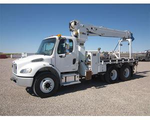 Freightliner BUSINESS CLASS M2 106 Digger Derrick Truck