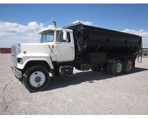 Ford 9000 Farm / Grain Truck