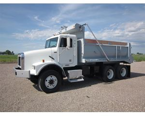Freightliner FLD112 Heavy Duty Dump Truck