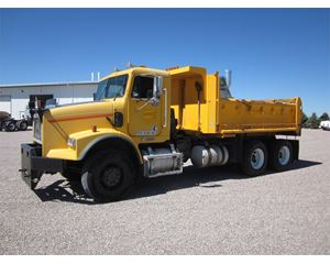 Freightliner FLD120 Heavy Duty Dump Truck