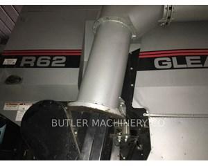 Gleaner R62 Combine