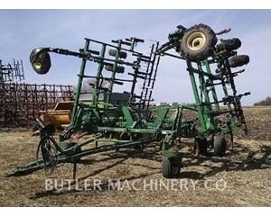 John Deere 2400 Tillage Equipment
