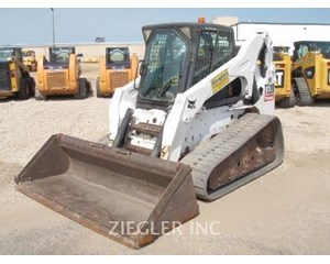 Bobcat T320 Crawler Dozer