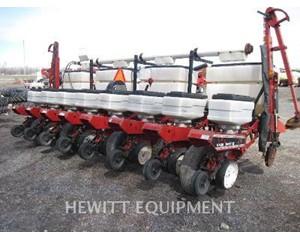 WHITE FARM 6108 Agriculture Equipment