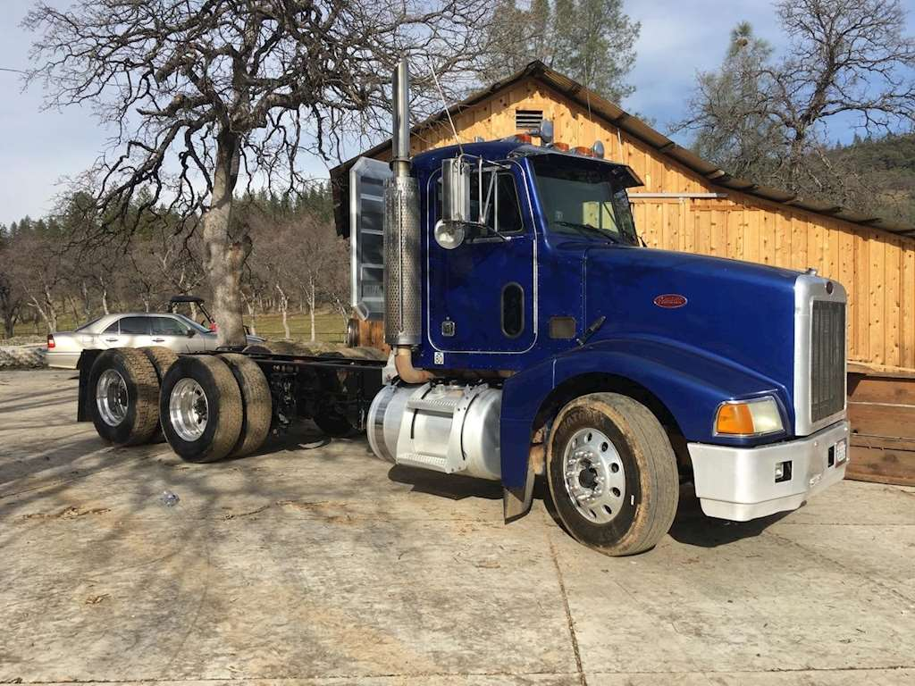 2004 peterbilt 385 heavy duty cab chassis truck for sale 723 576 miles redding ca 12017. Black Bedroom Furniture Sets. Home Design Ideas