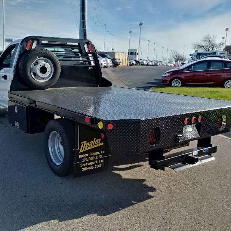 2017 ford f350 regular cab xl flatbed 32 flatbeds in stock for sale 238 miles fort worth tx. Black Bedroom Furniture Sets. Home Design Ideas