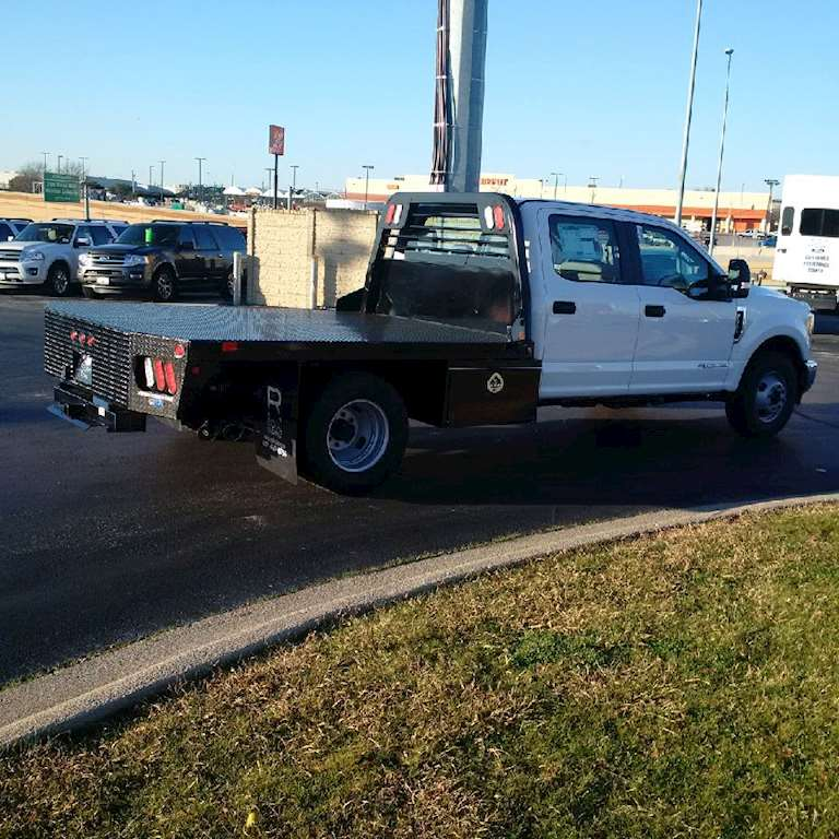 2017 ford f350 crew cab flatbed xl 32 flatbeds in stock for sale 61 miles fort worth tx. Black Bedroom Furniture Sets. Home Design Ideas