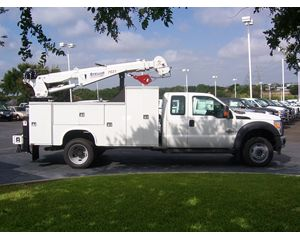 Ford FORD F550 XT CAB 4X4 WITH CRANE Mechanic Truck