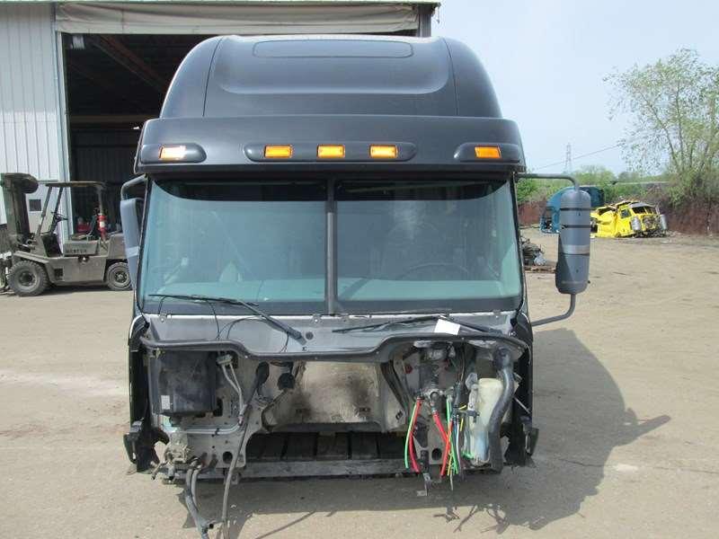 2007 Used Freightliner Columbia 120 Condo Sleeper Cab For Sale | Dorr, MI |  1FUJA6CK07PX75524 | MyLittleSalesman com